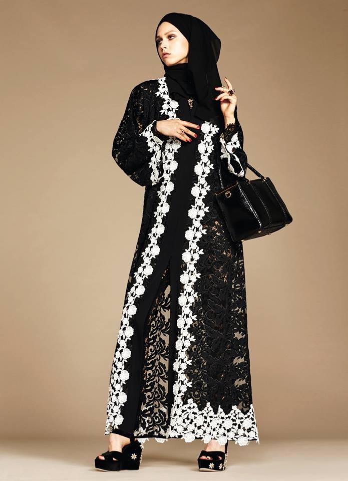 944b6ee3a أزياء المحجبات من دولتشى آند غابانا