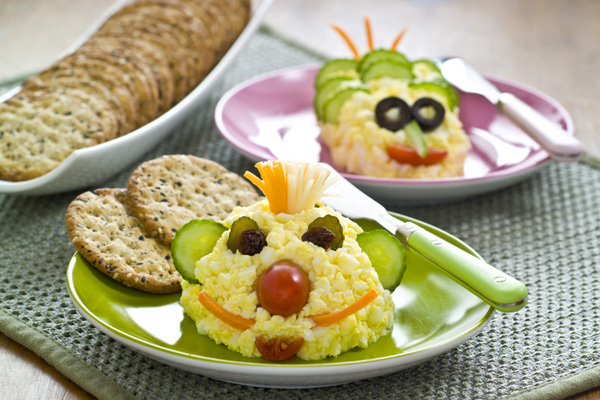 2013 egg-salad-faces_anim